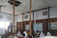 Rangka Atap Kelas Ditopang Bambu,  Siswa SD di Ponorogo Was-was