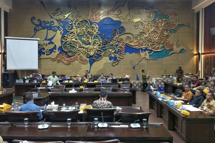 Dewan Perwakilan Rakyat (DPR) dan pemerintah menyepakati perubahan Undang-Undang Nomor 2 Tahun 2018 tentang MPR, DPR, DPD dan DPRD (UU MD3). Rapat Pleno digelar di Kompleks Parlemen, Senayan, Jakarta, Jumat (13/9/2019).