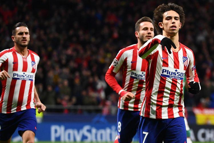 Penyerang Atletico Madrid Joao Felix merayakan gol dalam pertandingan Liga Champions antara Atletico Madrid vs Lokomotiv Moskwa di Stadion Wanda Metropolitano di Madrid pada 11 Desember 2019.