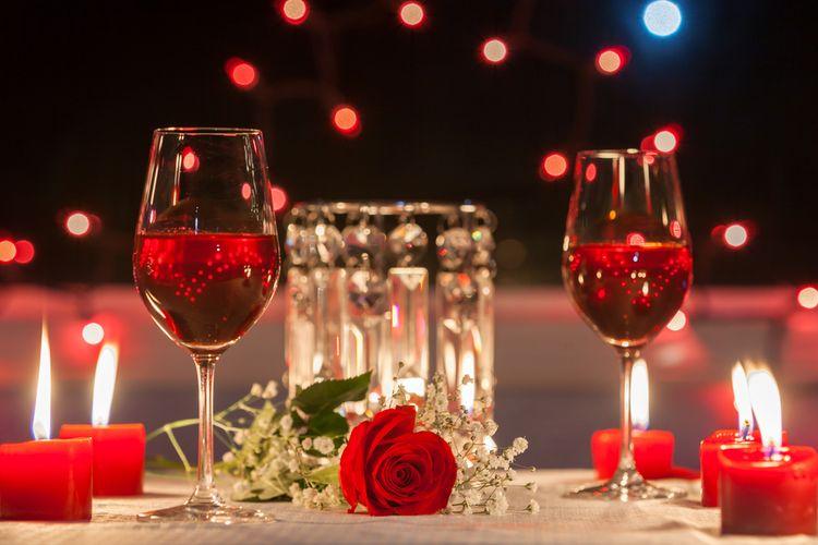 Ilsutrasi Makan malam romantis Valentine.