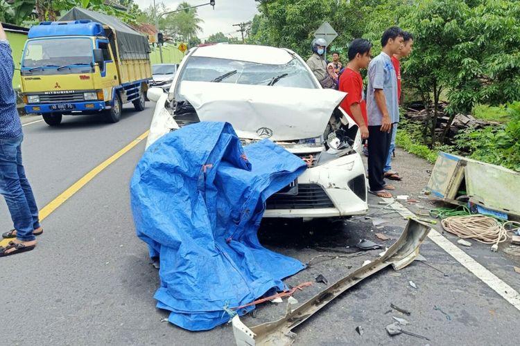 Kendaraan yang Terlibat Kecelakaan Beruntun di Jalan Yogyakarta-Wonosari