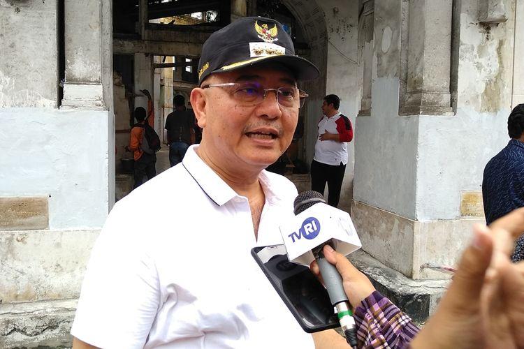 Walikota Medan, T. Dzulmi Eldin mengaku Pemko Medan belum memiliki anggaran untuk mengelola Gedung Warenhuis. Dia berharap ada tangan-tangan yang mau mengelola sekaligus melestarikannya. Dia mempersilakan kepada yang ingin mengelola dan melestarikannya, pihaknya akan membuat open bidding (lelang terbuka)