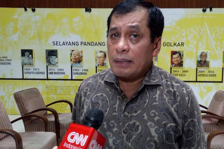 Ketua Harian DPP Partai Golkar, Nurdin Halid di Kantor DPP Partai Golkar, Slipi, Jakarta Barat, Jumat (22/12/2017).