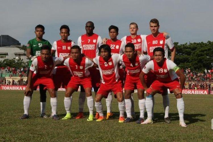 Skuad PSM Makassar saat melawan Semen Padang, Jumat (9/9/2016).