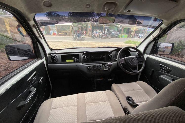 Tampilan interior DFSK Super Cab Ambulans