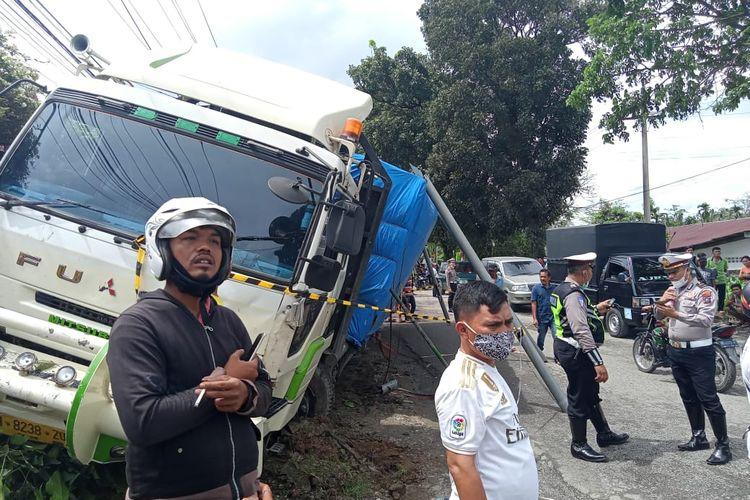 Foto: Kondisi Truk pasca tabrakan beruntun di Jalan Asahan KM 3,5 Dolok Marlawan, Kecamatan Siantar Kabupaten Simalungun, Kamis (19/11/2020).