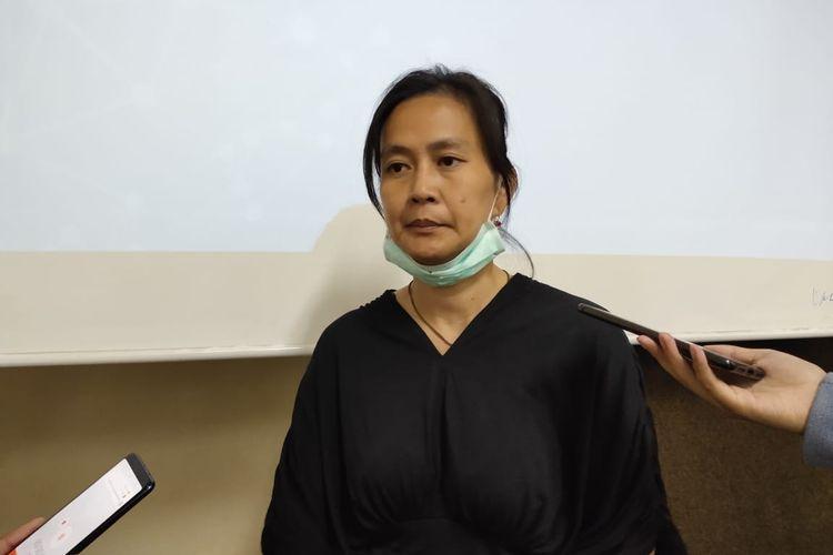 Lucia, Istri dari Surya Anta di LBH Cikini, Jakarta Pusat, Selasa (19/11/2019).