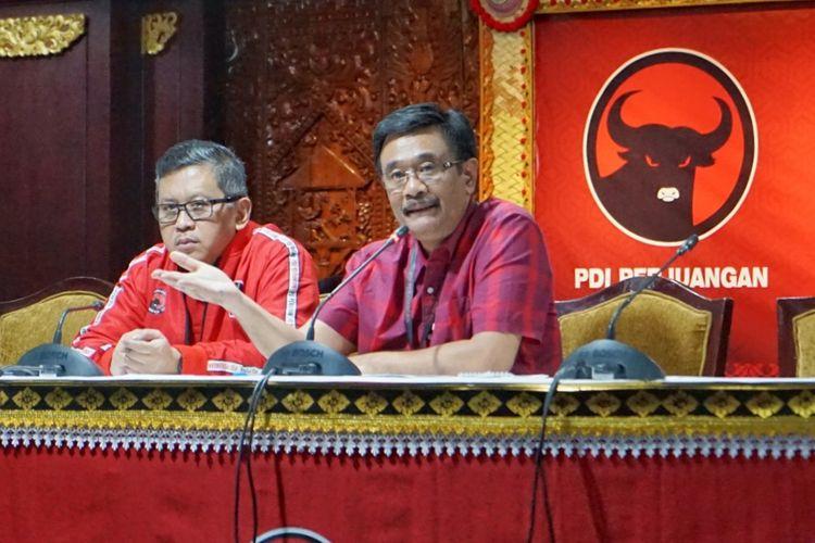 Ketua Steering Commitee Kongres V PDI Perjuangan (PDIP) Djarot Saiful Hidayat saat konferensi pers di Hotel Grand Inna Bali Beach, Rabu (7/8/2019).