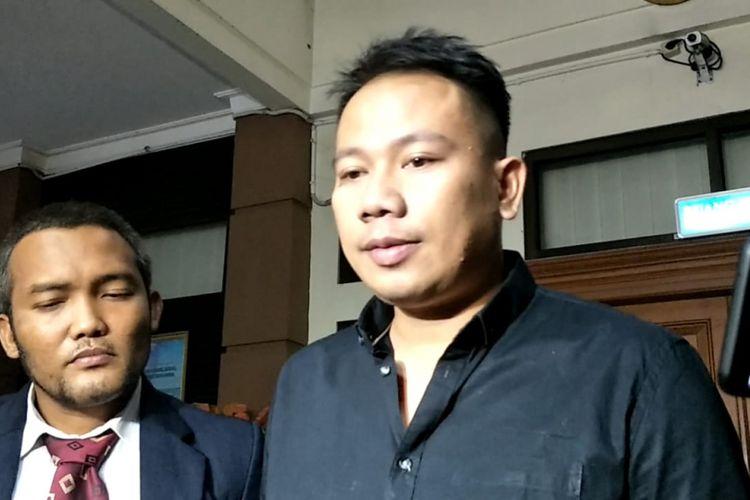 Vicky Prasetyo usai mengajukan permohonan cerai atas Angel Lelga di Pengadilan Agama Jakarta Selatan, Kamis (20/9/2018).