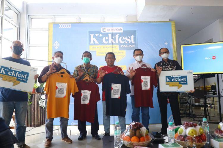 Sebanyak 250 brand lokal dari berbagai daerah di Indonesia meramaikan Kickfest 2021. Tahun ini, pelaksanaan Kickfest dilakukan secara online.