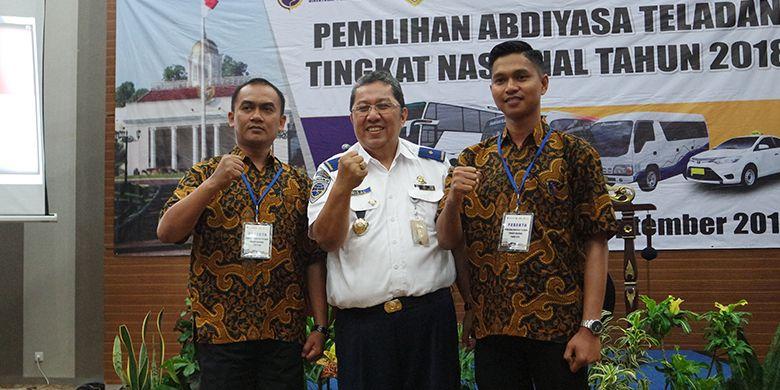 Direktur Pembinaan Keselamatan Perhubungan Darat Kementerian Perhubungan Mohamad Risal Wasal bersama peserta Pemilihan Abdiyasa Teladan Tingkat Nasional 2018 pada 24-28 September 2018 di Sentul, Bogor.
