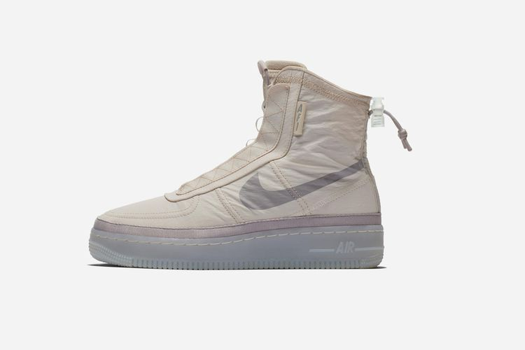 Nike AF 1 Shell in Cream