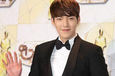 Ketika Kim Woo Bin Bertemu Kembali dengan Pengawalnya Setelah 2,5 Tahun