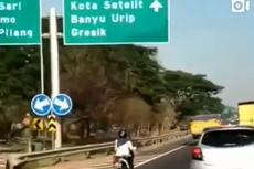 Viral Video Wanita Pengendara Motor Ngebut di Jalan Tol Surabaya