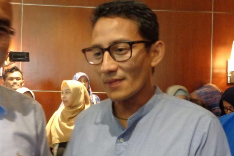 Cawapres nomor urut 2 Sandiaga Uno saat menghadiri acara HNI (Halal Network International) di Grand Galaxy Park, Bekasi Selatan, Kota Bekasi, Kamis (15/11/2018).