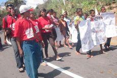 Tuntut Akta Kelahiran, Anak dari 7 Desa Unjuk Rasa