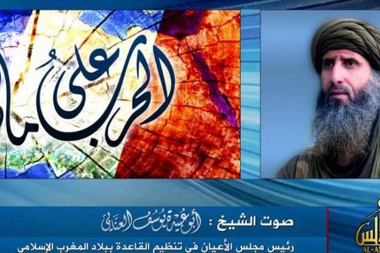 Foto ini diambil dari situs YouTube menunjukkan wajah Abu Obaida al Annabi yang menyampaikan pesan sebagai salah satu pimpinan Al Qaeda Afrika Utara (AQIM). Dia menyerukan umat Muslim dunia menyerang semua aset dan kepentingan Perancis sebagai balasan atas intervensinya ke Mali.