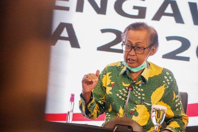 Anggota Dewan Pengawas KPK Artidjo Alkostar dalam konferensi pers di Gedung ACLC KPK, Kamis (7/1/2021).