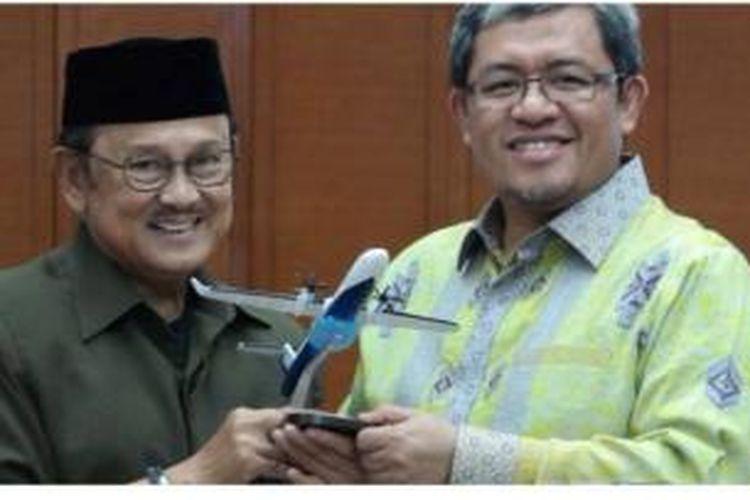 BJ Habibie dan Gubernur Jabar Ahmad Heryawan