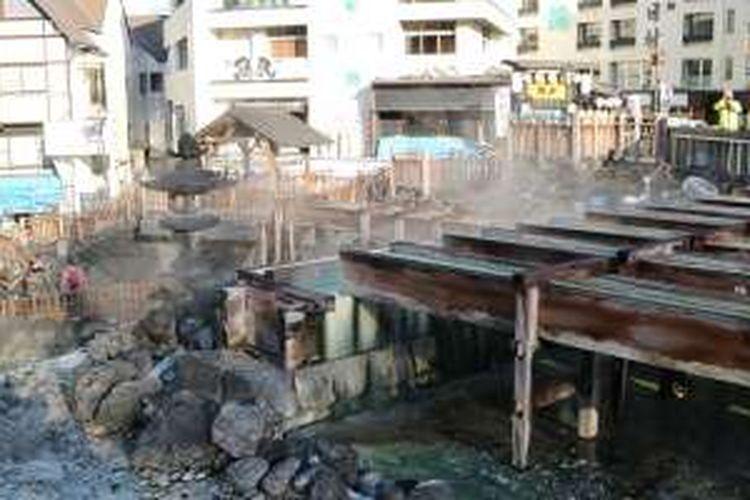 Destinasi wisata Kusatsu Onsen di Prefektur Gunma, Jepang, Kamis (1/12/2016). Kusatsu Onsen merupakan destinasi wisata air panas terkenal di Jepang.