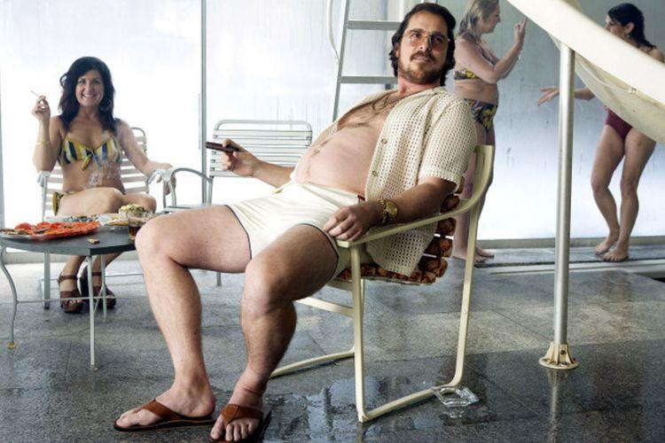 Christian Bale dalam American Hustle