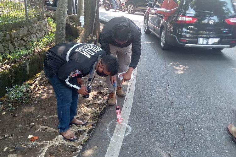 Polisi lakukan olah TKP di Jalan Sapi Perah, Pondok Ranggon, Jakarta Timur, Kamis (17/9/2020)