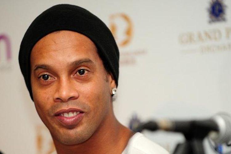 Eks pemain Barcelona dan AC Milan, Ronaldinho.