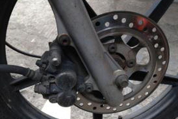 Cara Mudah Deteksi Kondisi Rem Sepeda Motor