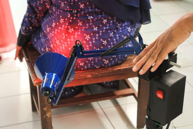Alat fisioterapi berbasis android karya dosen UMY yang bisa membantu meringankan nyeri otot pada pasien post Covid.