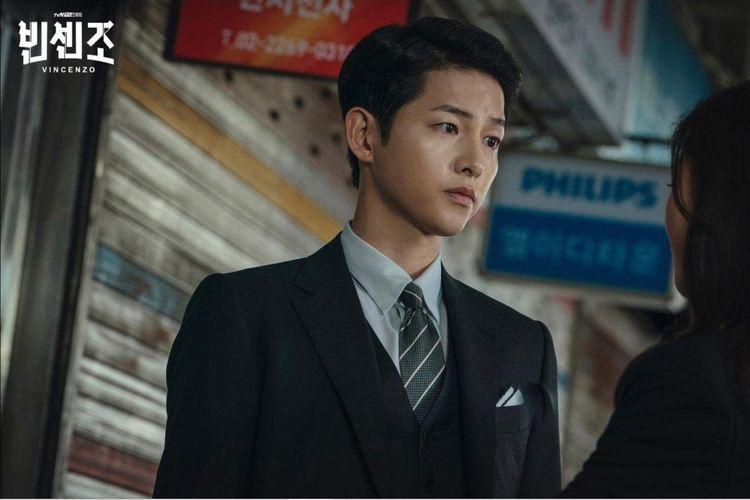 Song Joong Ki dalam serial drama Vincenzo (2021).
