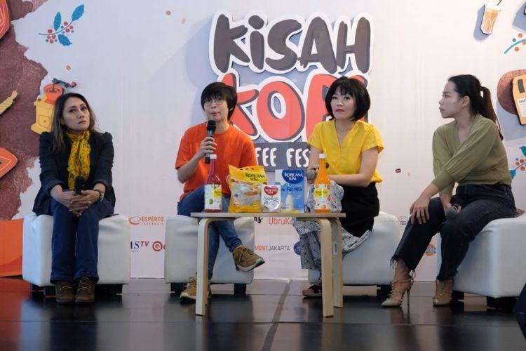 Dari kiri ke kanan: Novita Suryaningsih (Director of Marketing and Business Development Esperto Indonesia), Revyta (Founder Jamboree), Noviana Halim (Brand Manager Tropicana Slim), Sylvia Surya (Co-Founder KopiSoe) dalam acara Kisah Kopi Volume 2 di Jakarta, Jumat (21/02/2020)