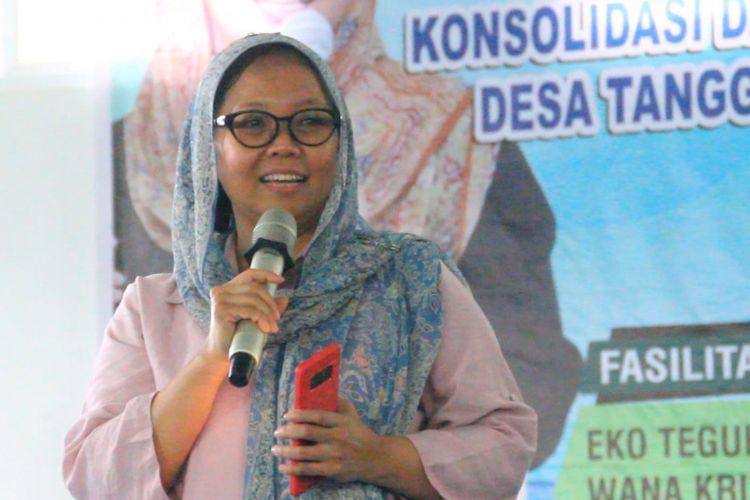 Alissa Wahid saat menjadi pembicara di  Kegiatan Konsolidasi dan Pelatihan Fasilitator Desa Tanggap Bencaba (Destana) , Jum'at (28/9) di Taman Budaya Mataram
