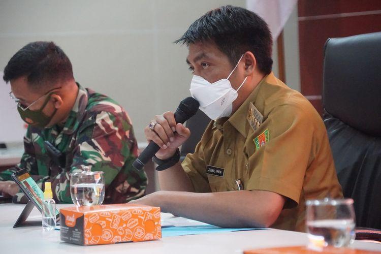 Bupati Magelang Zaenal Arifin saat memimpin rapat memimpin rapat penanganan pengungsi Gunung Merapi di Command Center komplek kantor Pemkab Magelang, Kamis (10/11/2020).