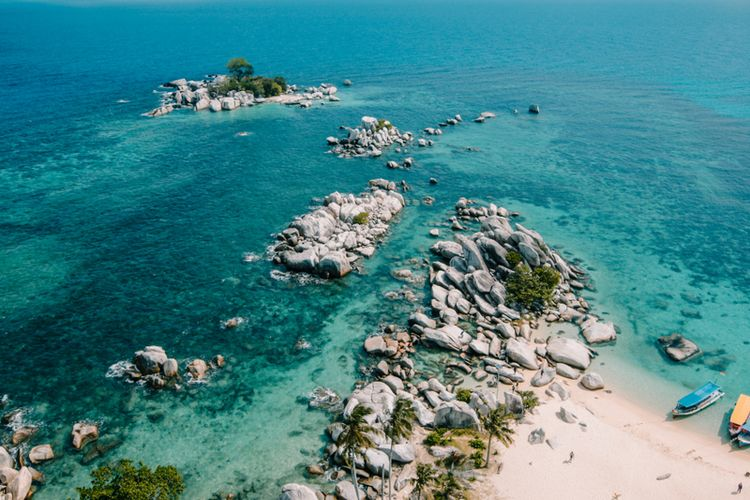 Tanjung Kelayang Beach, Belitung, one of the geo sites that make up Geopark Belitung