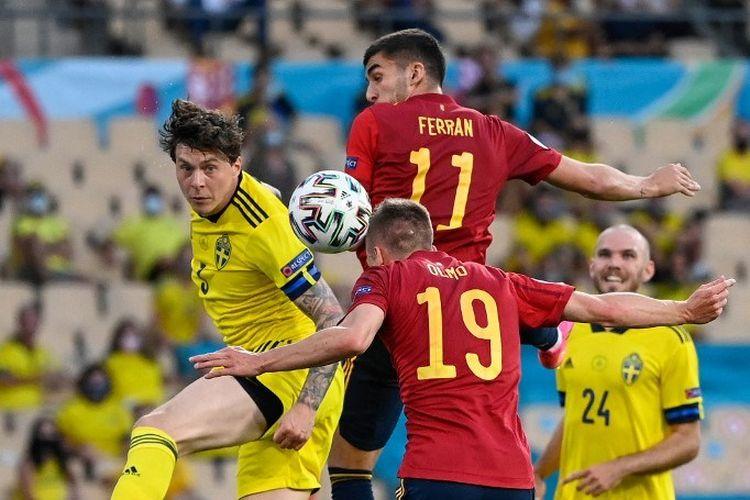 Timnas Spanyol harus rela bermain 0-0 melawan timnas Swedia pada laga lanjutan Grup E Piala Eropa 2020, Selasa (15/6/2021) dini hari WIB. Pada laga tersebut, bek Swedia Victor Lindelof terpilih sebagai Man of the Match.