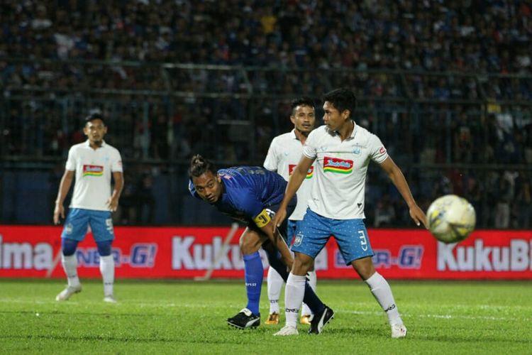 Hamka Hamzah saat laga Arema FC vs PSIS Semarang di Stadion Kanjuruhan, Malang, Sabtu (31/8/2019) pada lanjutan pekan ke-17 Liga 1 2019.