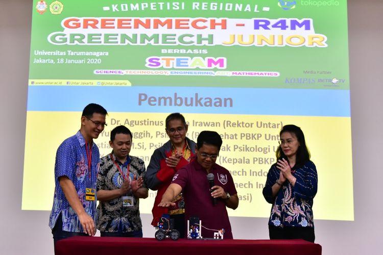 Rektor Untar Prof. Agustinus Purna Irawan saat membuka kompetisi Regional Greenmech dan Robot for Mission 2020 di Kampus I Untar, Sabtu (18/1/2020).