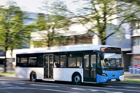Ketika 110 Bus Sekolah Dipakai untuk