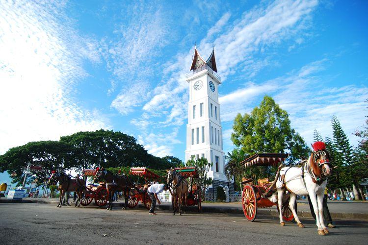 Jam Gadang, bangunan ikonik di Bukittinggi.