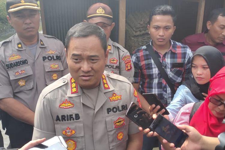 Kapolresta Samarinda, Kombes Pol Arief Budiman saat diwawancarai awak media di lokasi penemuan jasad Yusuf di Samarinda,  Selasa (10/12/2019).