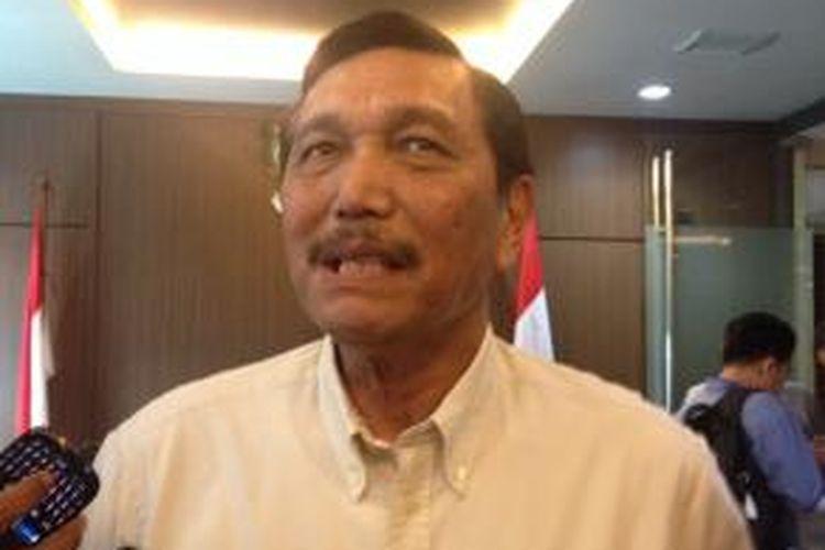 Jendral TNI (Purn) Luhut Binsar Pandjaitan saat jumpa pers di Wisma Bakrie, Jumat (16/5/2014).