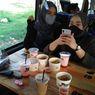 Kafe Bus Hadir di Gresik, Gimana Rasanya Ngopi Sambil Keliling Kota?