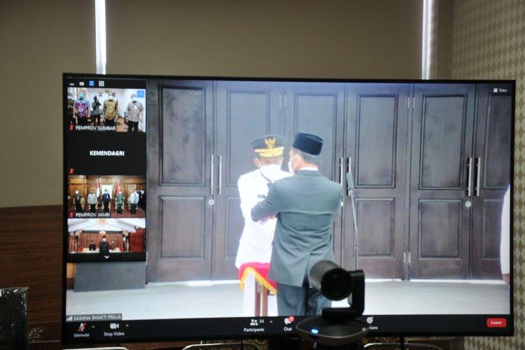 Mendagri Tito Karnavian melantik Hamdani sebagai Pj Gubernur Sumbar, Kamis (18/2/2021)