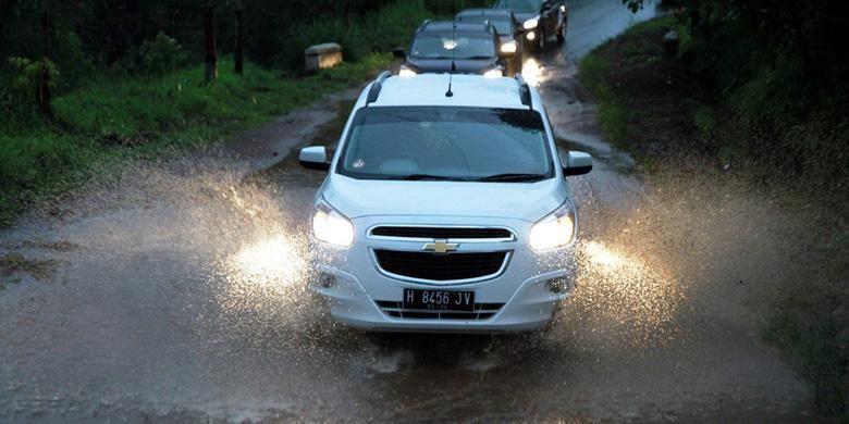 Chevrolet Indonesia memberikan tips bagaimana menerjang banjir.