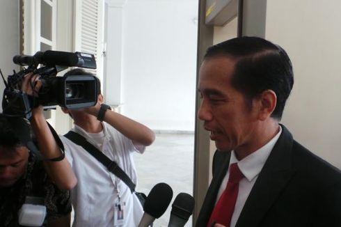 Ditanya soal Jakarta, Jokowi Hanya Tertawa