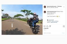 Pemotor Melakukan Wheelie di Jalan Raya, Minim Akal Sehat!