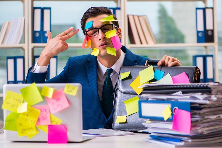 Ilustrasi bekerja, multitasking