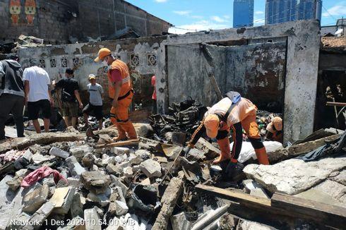 Garis Polisi Dilepas, Puing-puing Bekas Kebakaran di Menteng Atas Mulai Dibersihkan