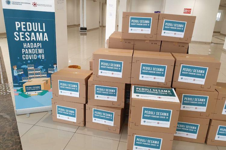 Yayasan Edukasi Universal (Eduversal) Indonesia dan Sekolah Kharisma Bangsa memberikan donasi paket logistik atau makanan di Wisma Atlet pada tanggal 20 Mei 2020.