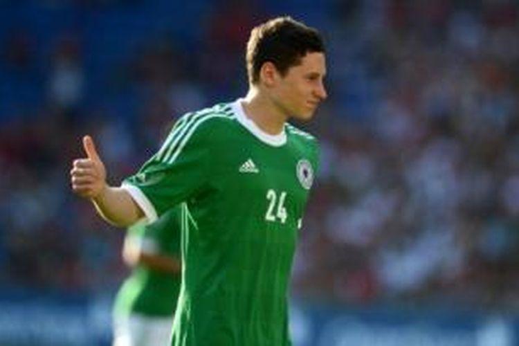 Pemain FC Schalke asal Jerman, Julian Draxler.